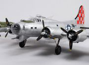 B-17 Flying Fortress (silver) Super Detail 1600mm (PNF) (EU Warehouse)